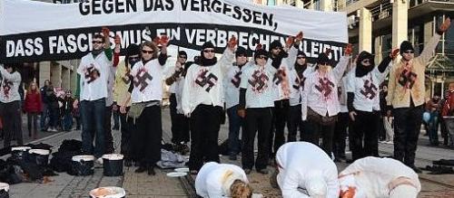 Zeigen von Nazisymbolen